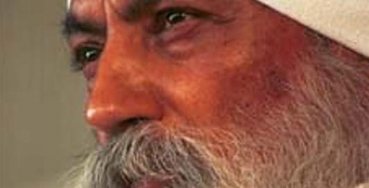 Grondlegger van Kundalini yoga yogi Bhajan